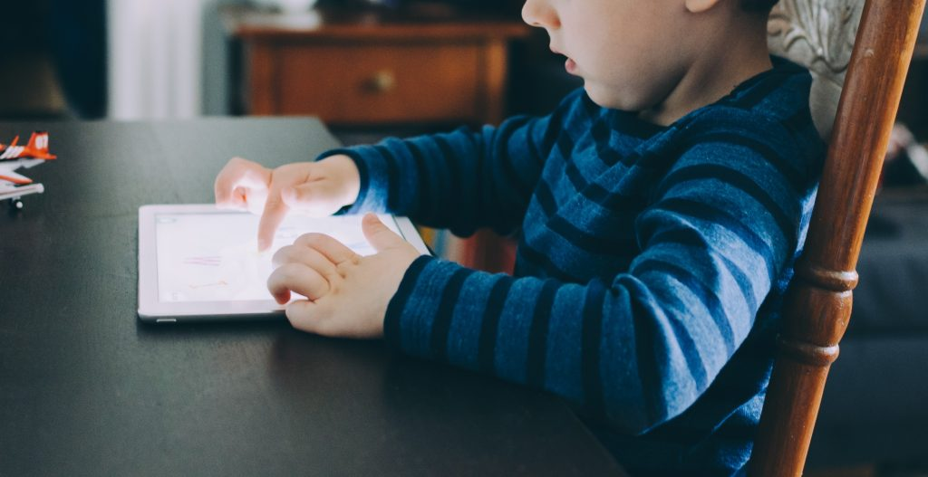 Kid with screen