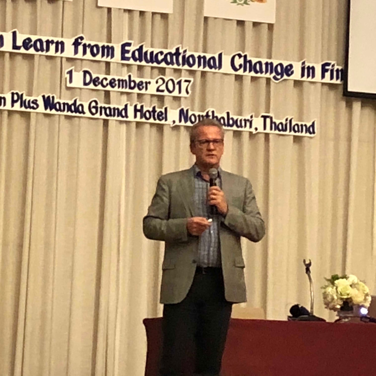 Pasi Sahlberg speaking in Bangkok about Educational change in Finland